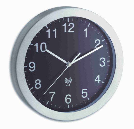 Rádiem řízené nástěnné hodiny TFA 98.1091.08